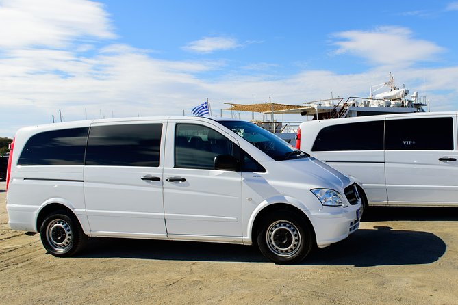 PrivateTransfer from/to Athens Int Air or Piraeus (luxury Mini Van)