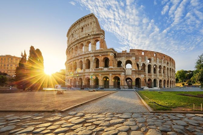 12 People Guided Tour: Full-Day Colosseum & Vatican Museum Guided Tour