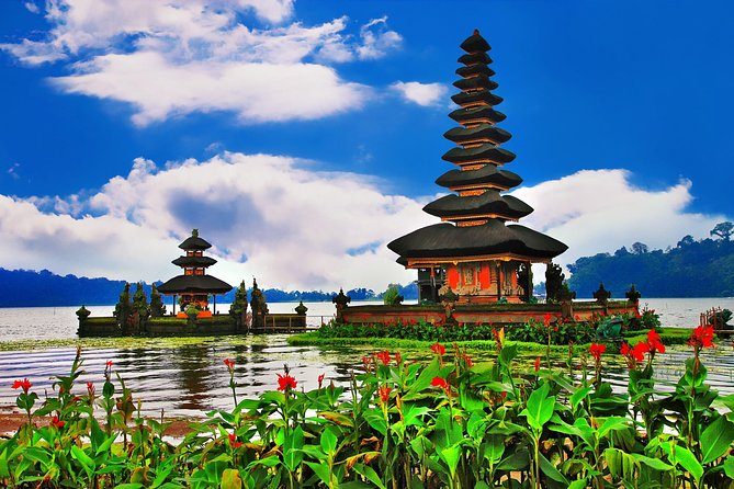 Tanah Lot - Jatiluwih Rice Field - Handara Gate - Wanagiri Hill - Free WiFi
