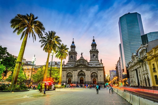 Tour Santiago de Chile and discover its History and Heritage