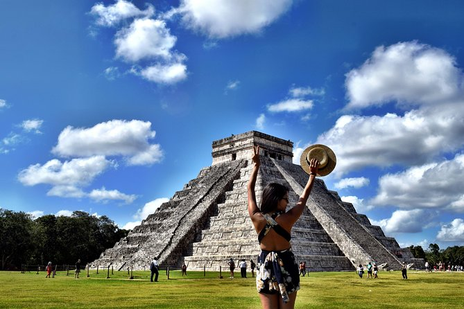Discover the MAGIC of Chichén Itzá, a SUPER cenote and the colonial Valladolid