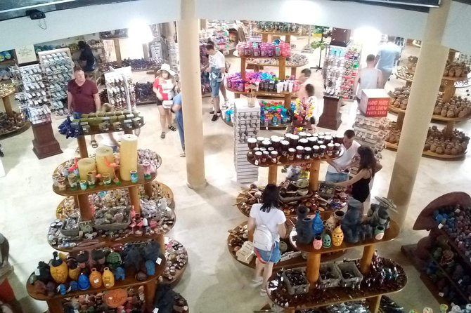 Guided shopping tour and Don Lugas Cigar Factory