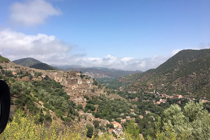 4x4 ride in the mountain atlas with lunch in a Berber house