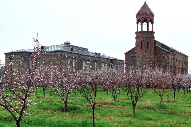 Private tour to Oshakan, Karmravor, Hovhanavank, Saghmosavank monasteries