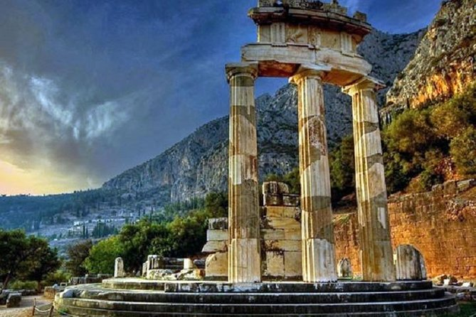 Delphi and Hosios Loukas Monastery Full Day Private Tour