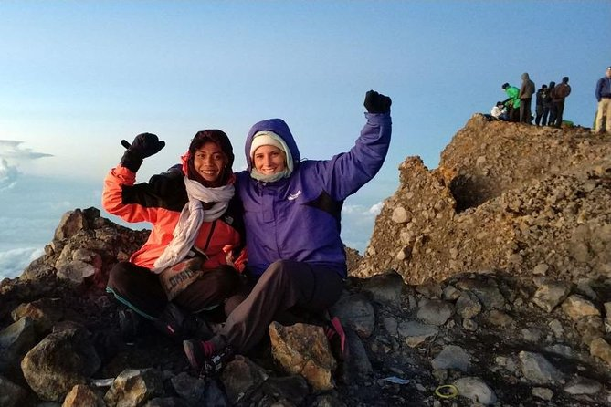 Trekking Rinjani Mountain Summit 2 Days 1 Night - Em Adventure photo 7