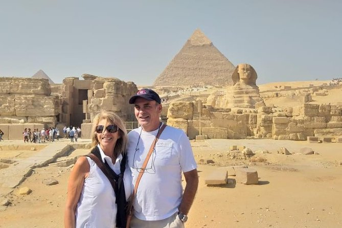 Giza Pyramids and Sphinx: Half-Day Private Tour Including Lunch with Camel Ride