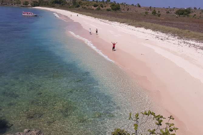 Pink Beach Lombok Combination With Lobster Show Package