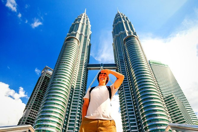 Private Tour Kuala Lumpur with Petronas Twin Towers Observation Deck & Batu Cave