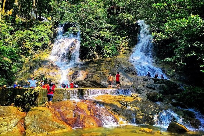Batu Caves, Templers Park Water Falls And Firefly Tour