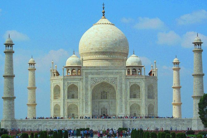 5-Days Luxury Golden Triangle Tour from Delhi Include,Hotel,Guide &On Board WiFi