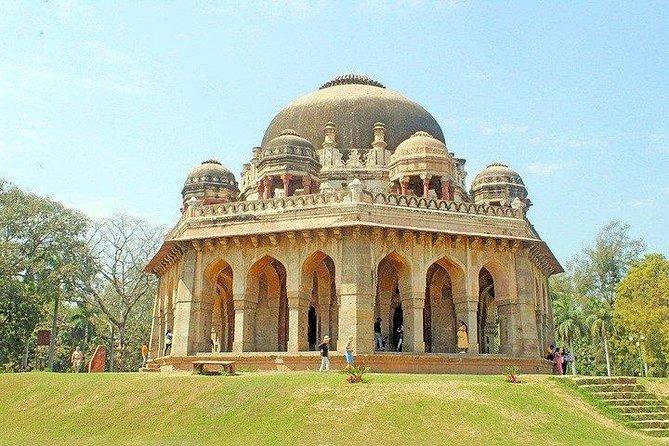 Delhi Short Tour Including Lodhi Garden, Humayun Tomb and Akshardham Temple