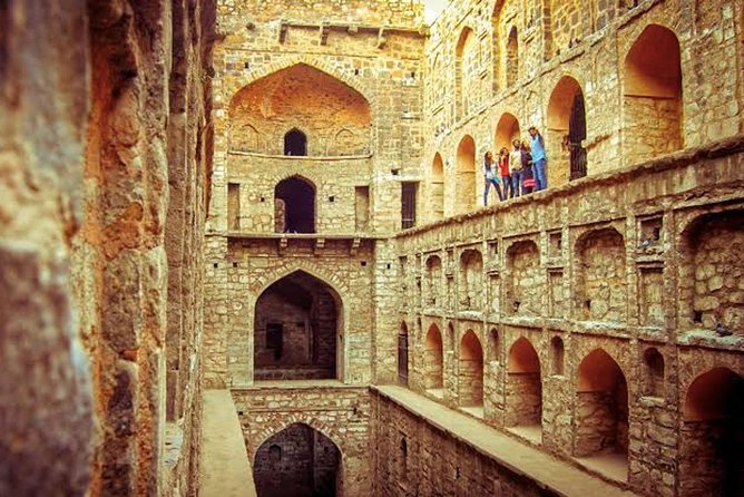 Delhi: Explore the hidden Gems of City on a full day Excursion