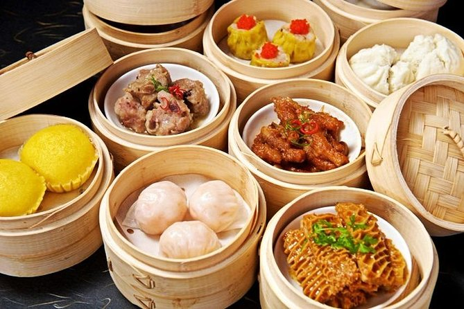 5-Hour Private Guangzhou Yumcha Tasting with Local Food Market Experience