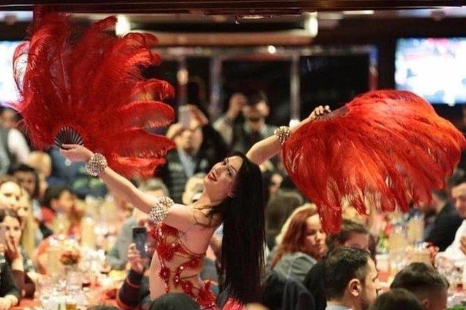 Cruzeiro no Bósforo em Istambul com jantar e show de dança do ventre
