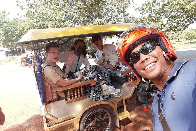 Tuk Tuk Tour , Sunrise Angkor Wat, Angkor Thom (Bayon) & Ta Prohm photo 5