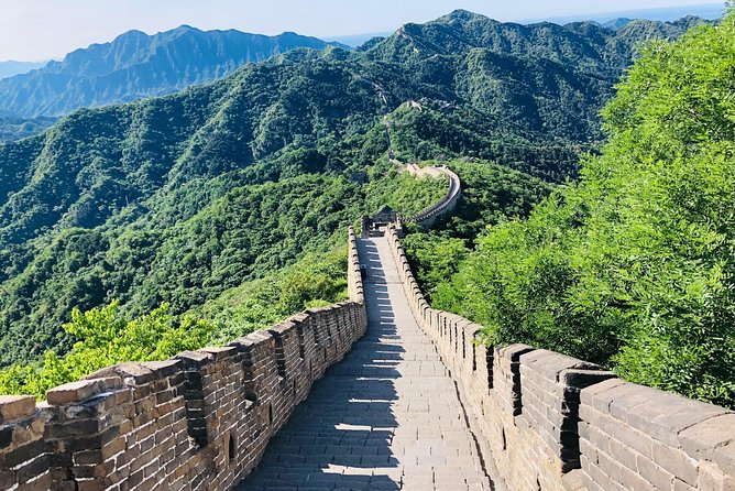 Beijing Layover Tour to Great Wall with Peking Duck Lunch