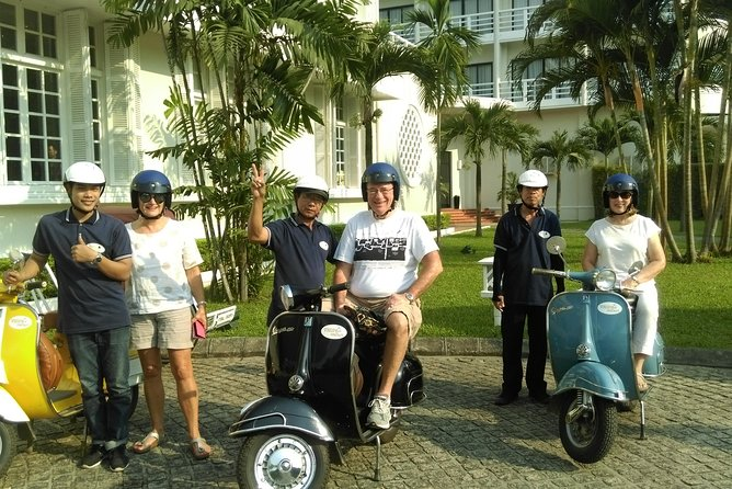 FREE & EASY VESPA - for visitors seeking an exclusive experience by Vespa