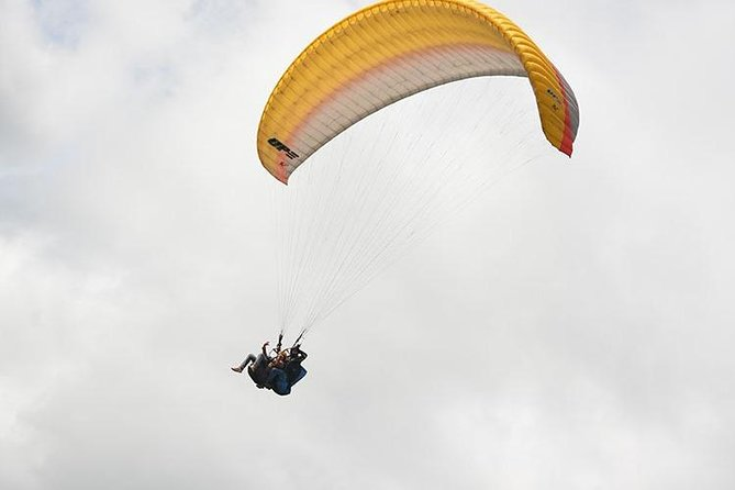 Paragliding in Medellín
