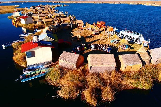 Sleep on Uros Island photo 4