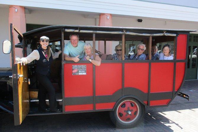 Vintage Bus Tour of Art Deco Napier