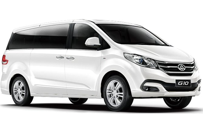 Luxury Van, Private Transfer, Cairns Airport -Trinity Beach.