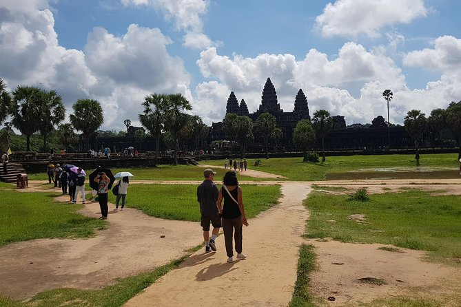 To Go Angkor Wat by Tuk Tuk, Car, Van ( Best Tour ) photo 15
