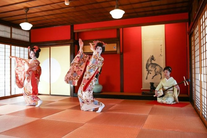 Explore Sakata : Maiko Traditional Dance at a traditional Tea House *C course photo 4
