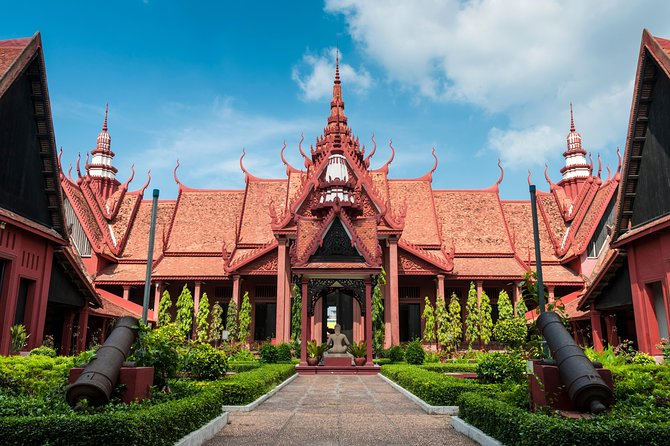 Phnom Penh City Exploration Private Tour With Sunset Cruise
