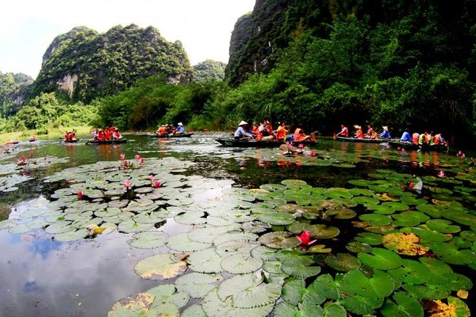 Trang An - Bai Dinh Ninh Binh Tour & Hanoi Stresst Food Tour With Volunter Guide