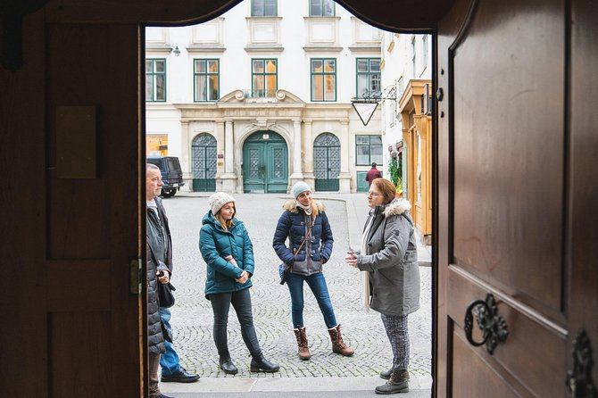 Guided Walking Tour on Poverty and Homelessness