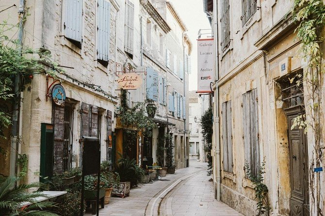 Les Baux de Provence : Wine day Tour : 8 hours photo 1