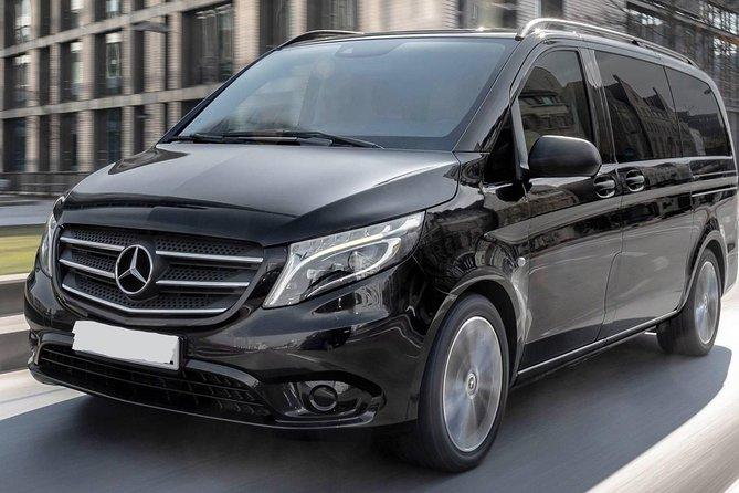 Private Transfer from Heidelberg City to Frankfurt Airport FRA by Minivan