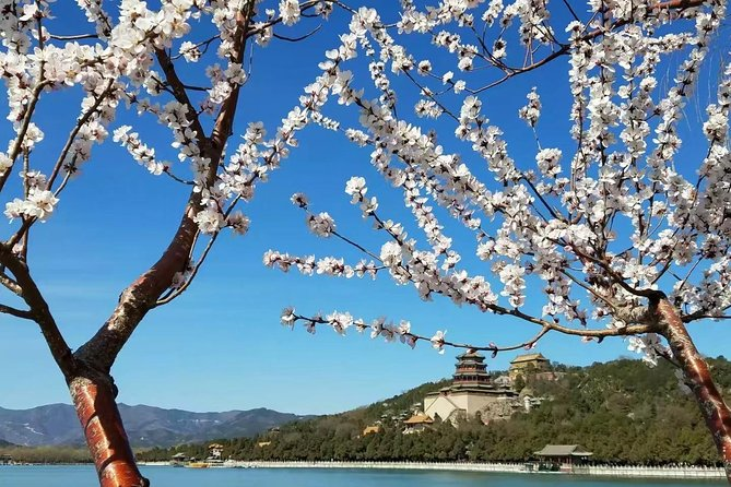 Mutianyu Great Wall and Summer Palace Day Trip with English Speaking Driver