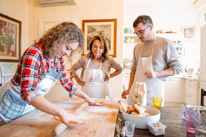 Share your Pasta Love: Small group Pasta and Tiramisu class in Spoleto