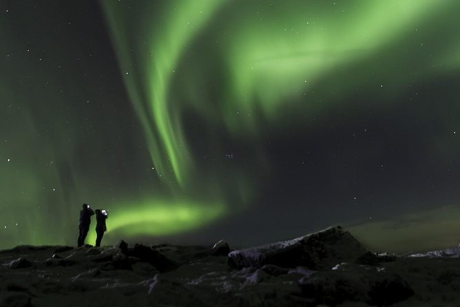 6-days Aurora Borealis in Iceland - Roundtrip in 4x4 bus with small groups