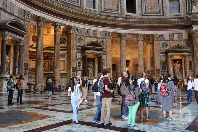 7 iconic sights of Rome within 3 hours - walking tour