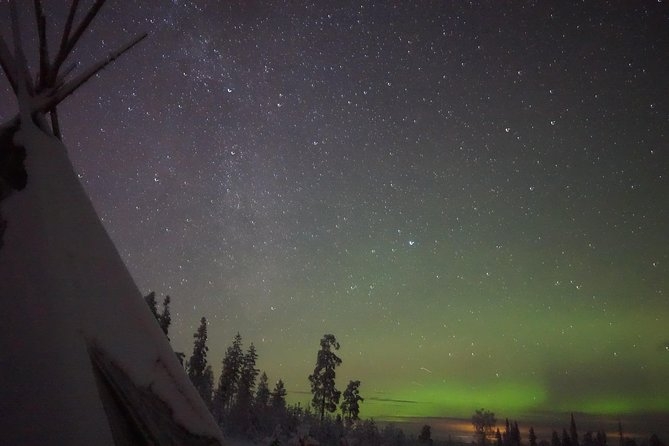 Northern Lights Hunt in a local Kota in Rovaniemi with Dinner