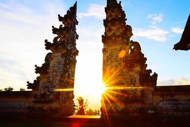 CHEAP CAR HIRE BALI. RENT 3 DAYS.FREE TRANSF AIRPORT. $ 50 / Day FOR MAX 3 PRS.