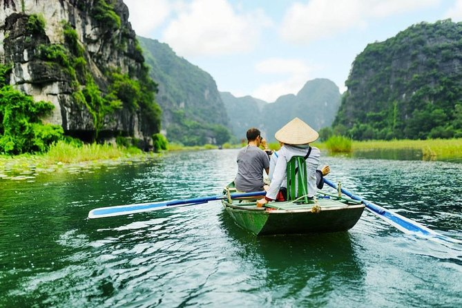 Hoa Lu - Tam Coc Boat Day Trip & Hanoi Street Food Tour With Volunteer Guide