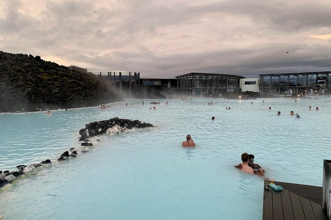 Roundtrip Transfer from Reykjavik/Keflavik to Blue Lagoon with Entrance Fee photo 1