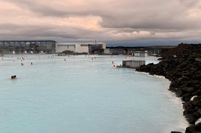 Roundtrip Transfer from Reykjavik/Keflavik to Blue Lagoon with Entrance Fee photo 6