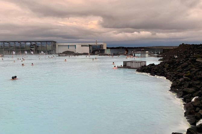 Roundtrip Transfer from Reykjavik/Keflavik to Blue Lagoon with Entrance Fee photo 4