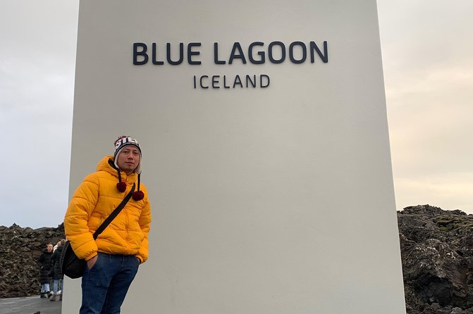 Roundtrip Transfer from Reykjavik/Keflavik to Blue Lagoon with Entrance Fee photo 2