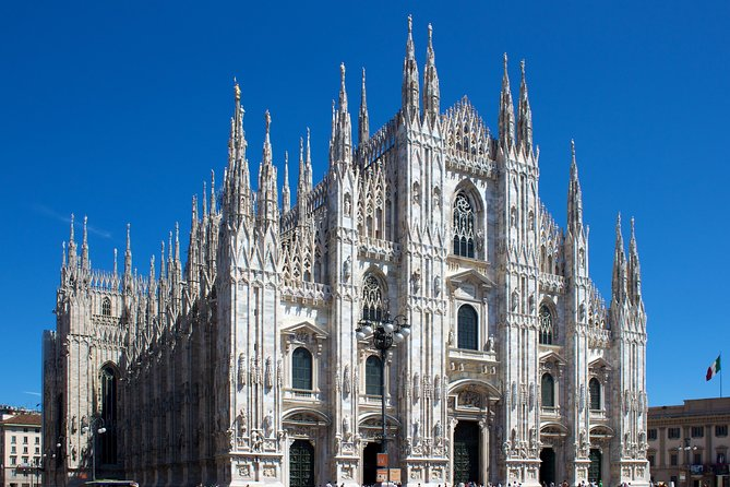 Milan: Duomo Cathedral and Rooftop Guided Tour