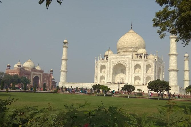 Full-Day Agra City Tour visit Taj Mahal, Agra Fort, Fatehpur Sikri and Shopping
