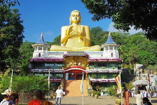 2Days tours-Kandy City tour and Dambulla, Sigiriya and Minneriya National Park