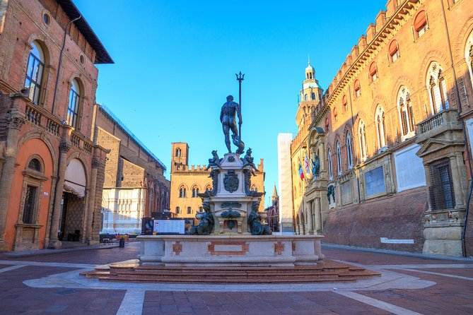 From Milan to Bologna: round trip, 3 hour Private Walking tour of Bologna