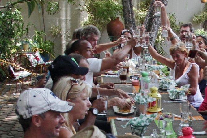 Repas, boisson et fête: visite tout compris de la ville de Puerto Plata pour les passagers des bateaux de croisière d'Amber Cove