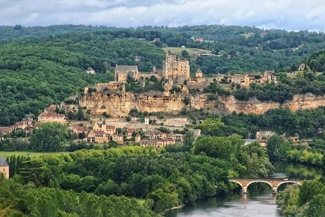 Half-day private tour in the Dordogne Valley by EXPLOREO